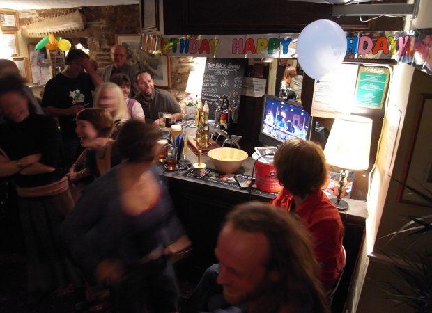 Pub-twinning The Black Swan